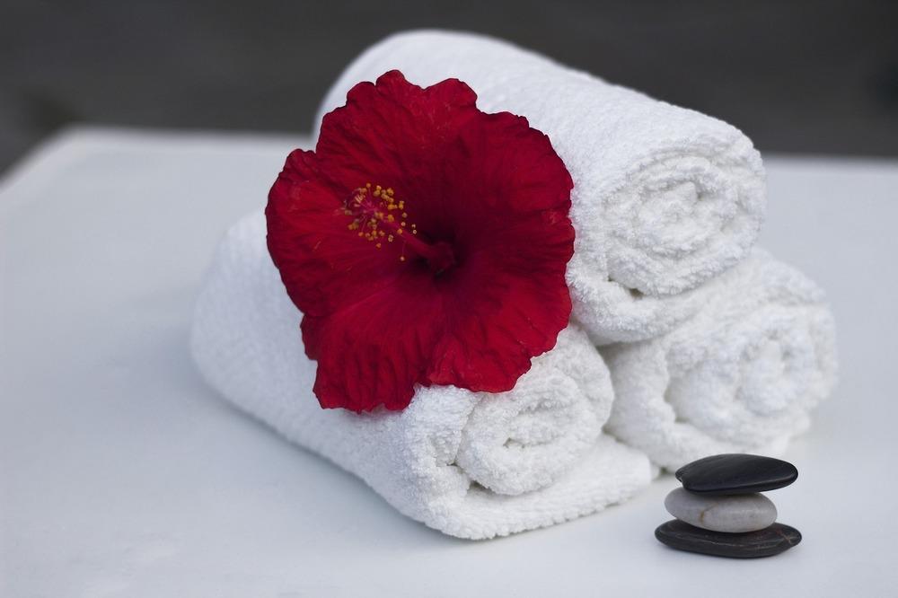 Убрать живот с помощью полотенца: отзывы, фото, результаты. Как убрать живот с помощью полотенца по японской методике? Как с помощью полотенца убрать живот и выпрямить спину? Отзывы